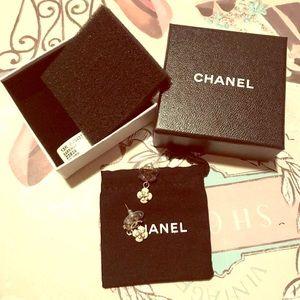 Chanel cc with flower earrings z3939
